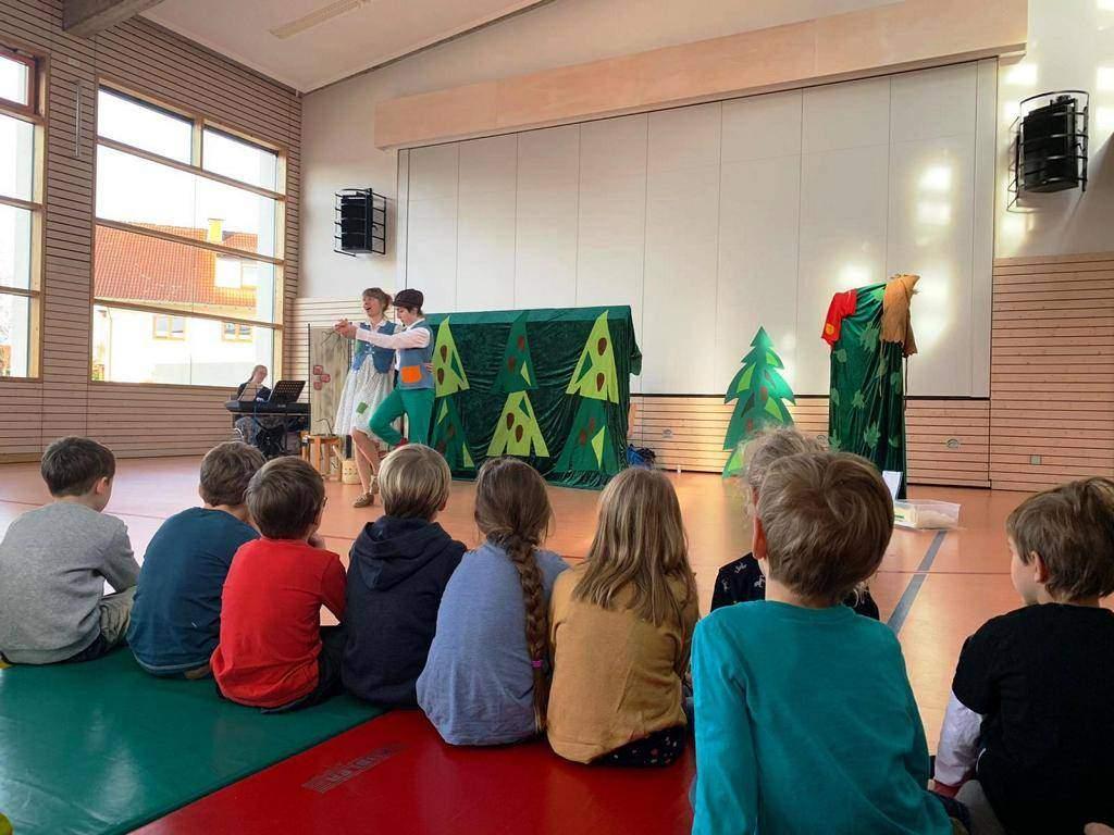 Hänsel und Gretel – Mitmachtheater in Döggingen